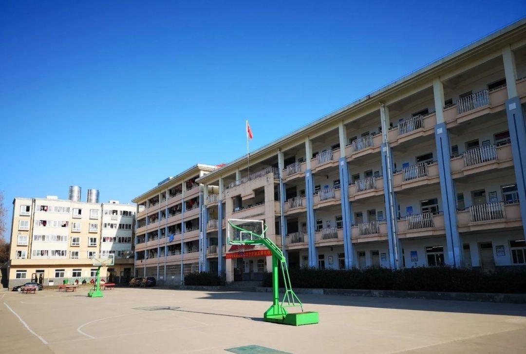 安徽六安金寨映山红初级中学